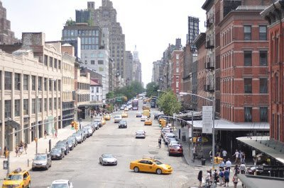 A view of New York City streets from The High Line, one of the non touristy things to do in NYC