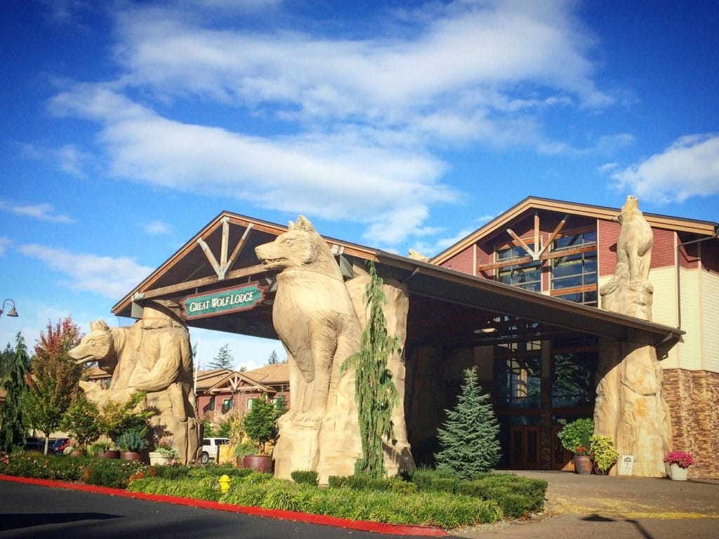 The main entrance of Great Wolf Lodge in Grand Mound, WA