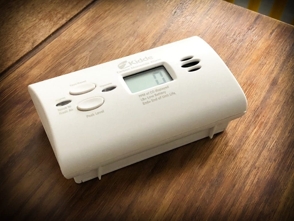 An inexpensive travel carbon monoxide detector