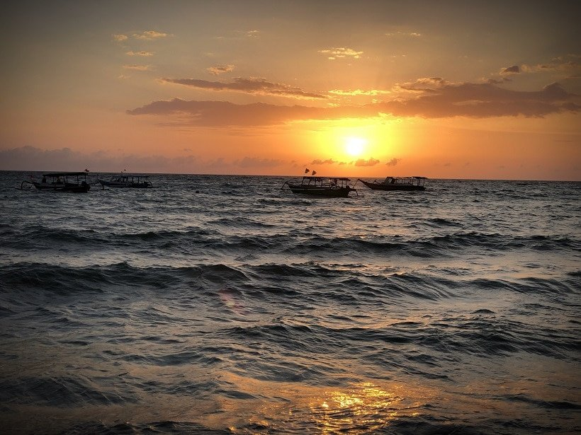 A sunset on the water, one of the many things to do in Lombok with kids