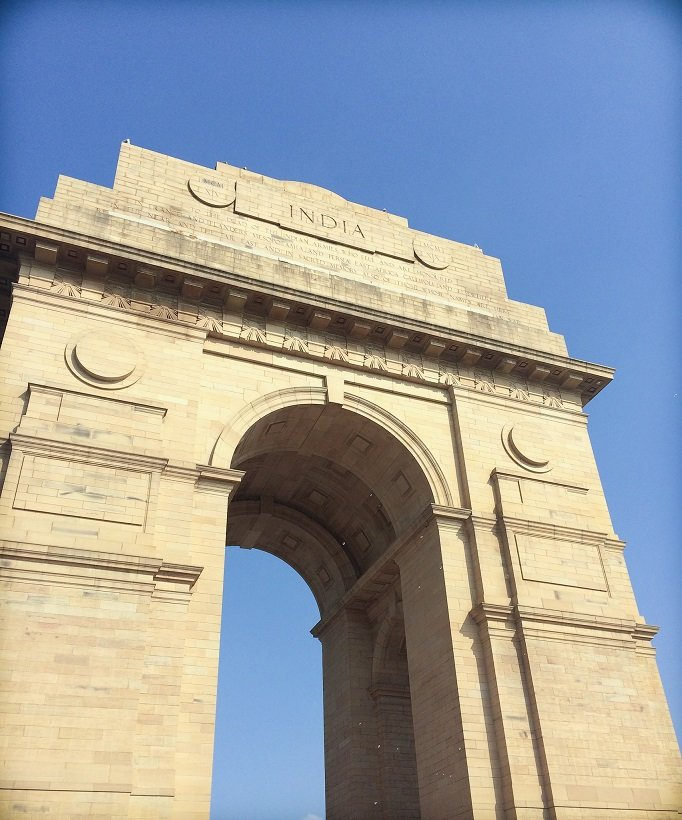 India Gate in Delhi, India, a monument that families can see when visiting Delhi with kids