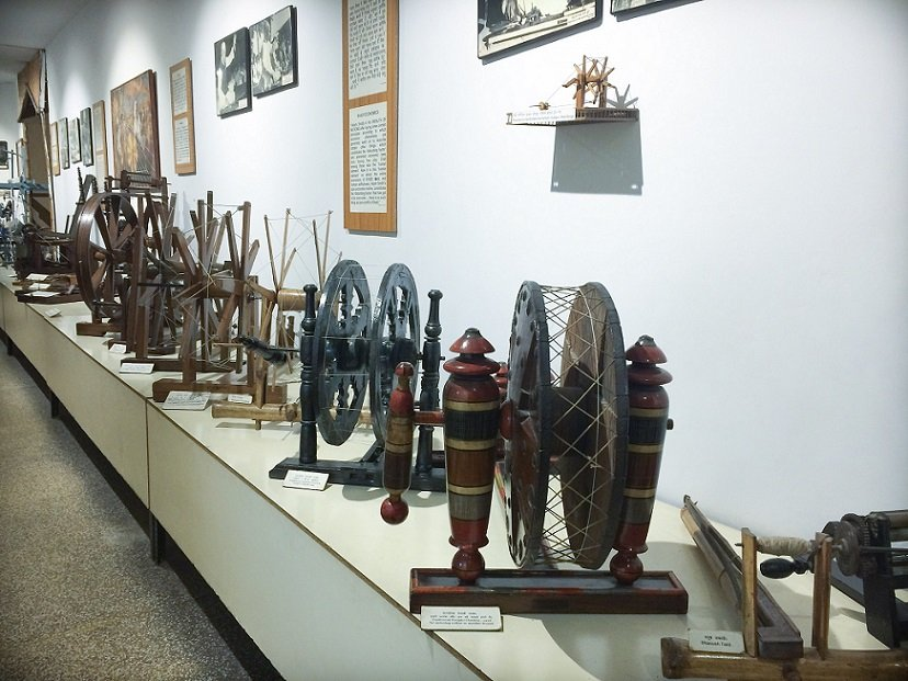 Spinning wheels at the Gandhi Museum in Delhi, India, a place for families to go when visiting Delhi with kids