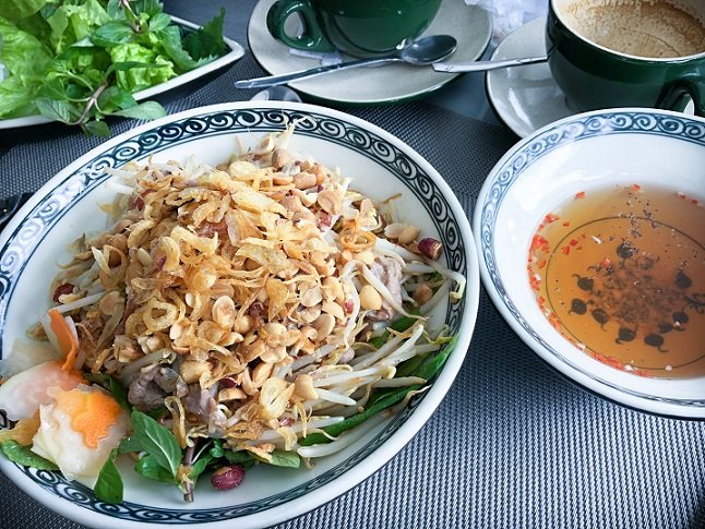 Essential Guide To Food in Hanoi - The Wandering Daughter - Family Travel